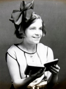Young-girl-reading